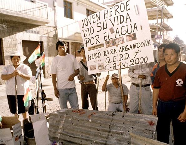 Nos conflitos entre a polícia e a população, um jovem foi morto em Cochabamba