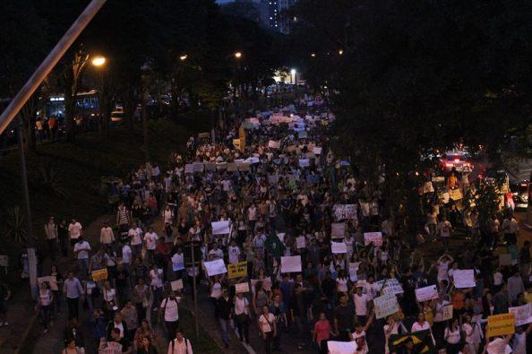 manifestação em pira1