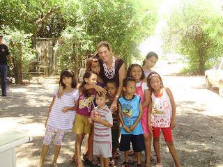 Foto 4 – Crianças da comunidade ribeirinha do Tanquã