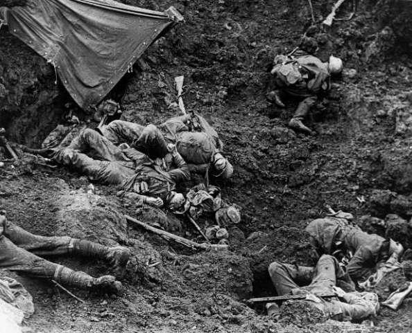 Fonte da Imagem: http://fotos.estadao.com.br/primeira-guerra-imagem-historica-da-primeira-guerra-mundial-1914-1918,galeria,1182,36776,,,0.htm?pPosicaoFoto=6#carousel