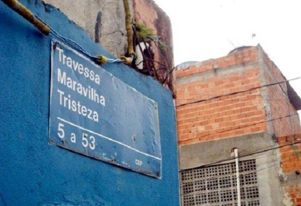 http://www.macacovelho.com.br/as-ruas-mais-bizarras-do-brasil/